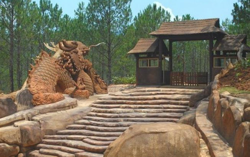 Đường hầm điêu khắc đất sét – Địa điểm du lịch mới của Đà Lạt