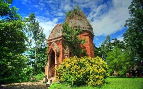 Tham quan tháp Bằng An – Dấu ấn văn hóa Chăm ở Quảng Nam