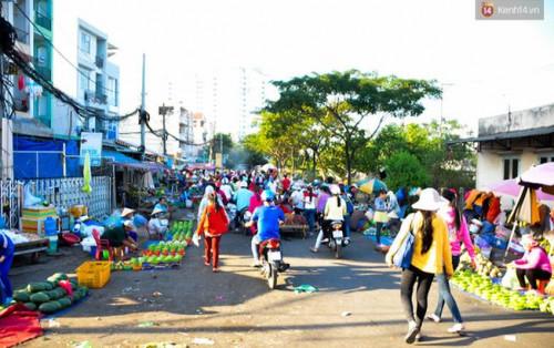 Độc đáo khu chợ thực phẩm đồng giá 5.000 đồng/đĩa ở Sài Gòn