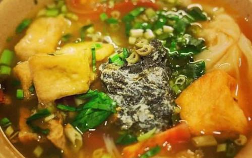 Chưa ăn chưa biết mùi ngon tuyệt của bún riêu chợ Bến Thành Sài Gòn