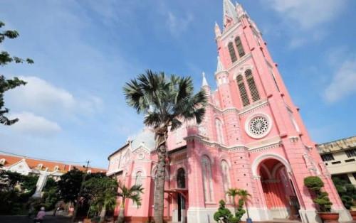 """Nhanh nhanh check-in ở Nhà thờ Tân Định – """"Nhà thờ màu hồng"""" nằm giữa lòng Sài Gòn"""