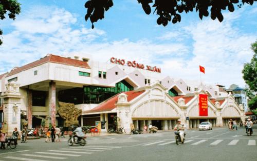 Chợ Đồng Xuân địa điểm mua sắm thú vị ở Hà Nội