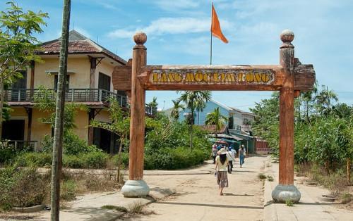 Về Hội An ghé thăm làng Mộc Kim Bồng trăm tuổi