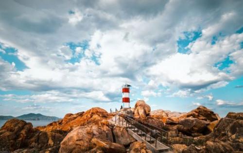 Hải đăng Gành Đèn vẻ đẹp đến nao lòng tại Phú Yên