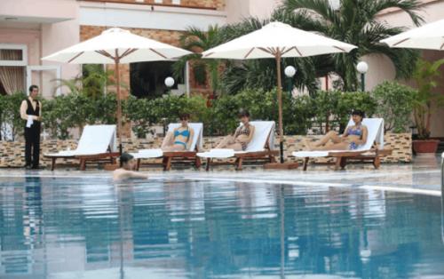 Liệt kê danh sách các khách sạn gần ngọn hải đăng Vũng Tàu