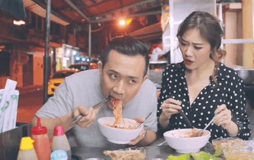 """Nhanh chân tới quán hủ tiếu ở Sài Gòn khiến Hari – Trấn Thành """"mê mệt"""""""