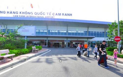Sân bay Cam Ranh cảng hàng không quốc tế ở Nha Trang