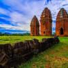 Khám phá vẻ đẹp huyền bí cổ xưa của tháp Dương Long Bình Định