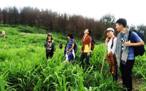 Chia sẻ kinh nghiệm leo núi Chứa Chan ngắm cảnh núi non hùng vĩ