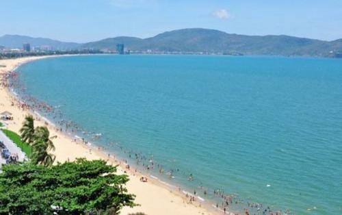 """Bãi biển vầng trăng khuyết """"thiên đường biển"""" ẩn mình ngay tại Quy Nhơn"""