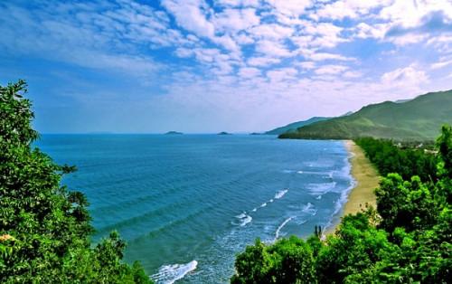 """Về bãi biển Quy Hòa """"lắng nghe"""" tiếng sóng vỗ yên bình"""