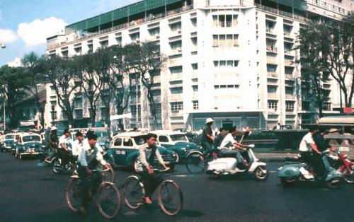 Rex Hotel SaiGon – Thiên đường nghỉ dưỡng tại thành phố Hồ Chí Minh