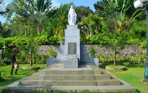 """Ghé thăm mộ Hàn Mặc Tử – Hành Trình """"đong đầy"""" cảm xúc"""