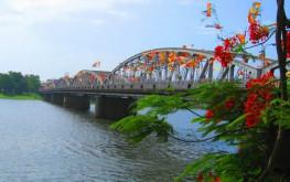 Cầu Tràng Tiền niềm tự hào trong lòng mỗi người con xứ Huế