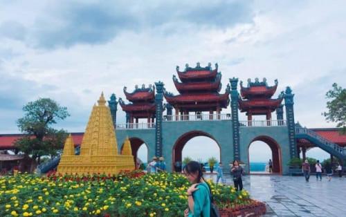 Kinh nghiệm du lịch chùa Ba Vàng, vùng đất tâm linh cõi Phật nơi hạ giới