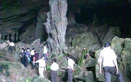 Khám phá Hang đá Dak Tuar – Địa điểm kỳ thú ở Đắk Lắk