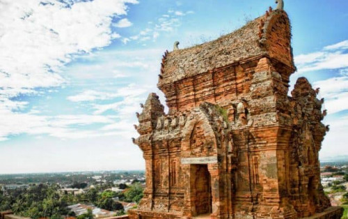 Tháp Poklong Garai Ninh Thuận – Tâm điểm của nền văn minh Chăm
