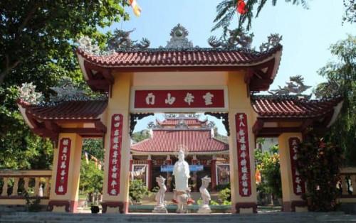 Đến chùa Ông Núi Bình Định chiêm ngưỡng tượng Phật ngồi lớn nhất Đông Nam Á