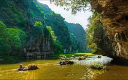Chiêm ngưỡng vẻ đẹp Núi Non Nước Ninh Bình