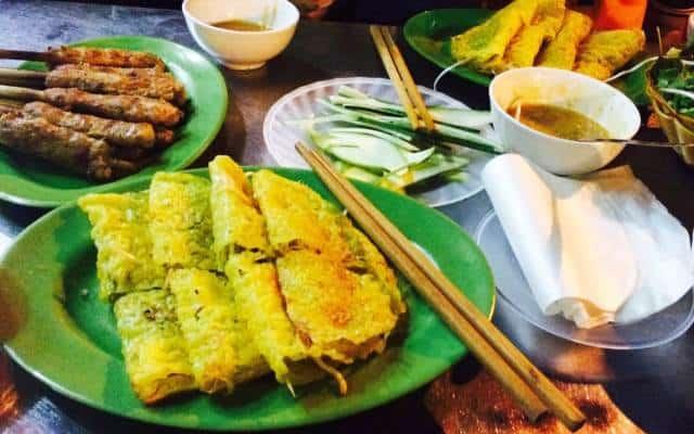 Bánh xèo và nem lụi tại Lê Lai
