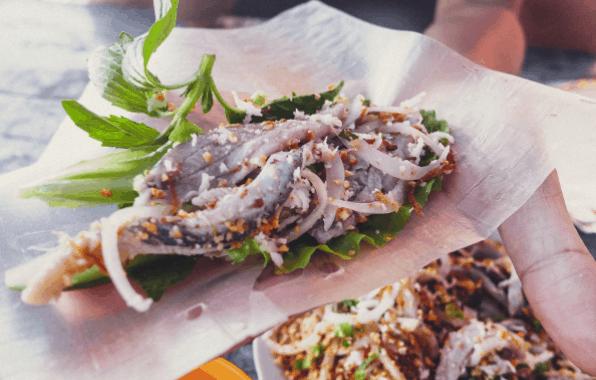 Đồ ăn tại Bãi Khem vừa ngon lại rẻ nữa