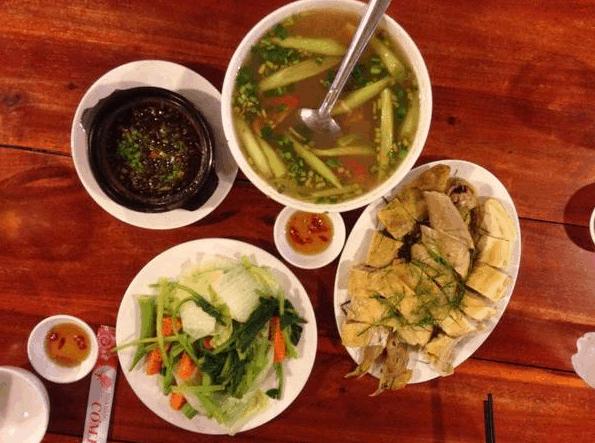 Thưởng thức các món ăn Bắc Bộ tại nhà hàng Cơm Bắc - Phú Quốc