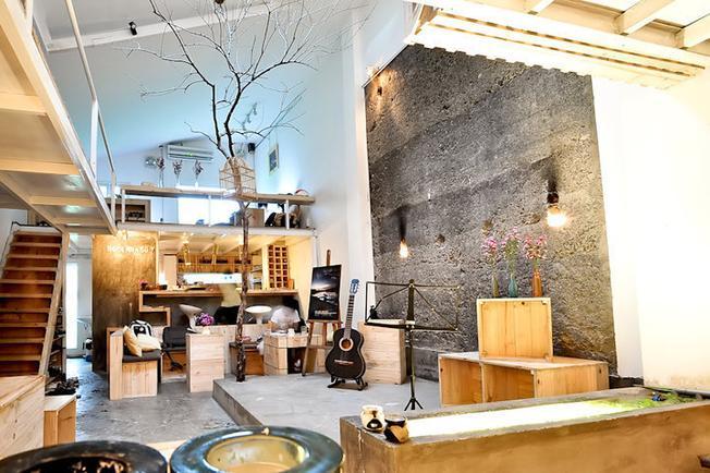 """Ngôi Nhà Số 7 Café """"Chỉ điểm"""" những quán café đẹp ở TP.HCM dành cho giới trẻ"""