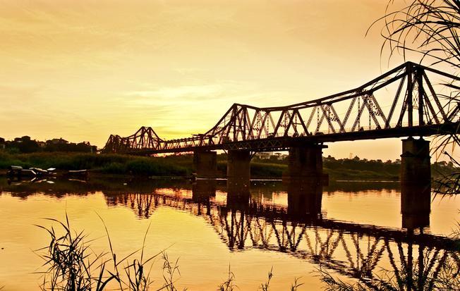 Cầu Long Biên