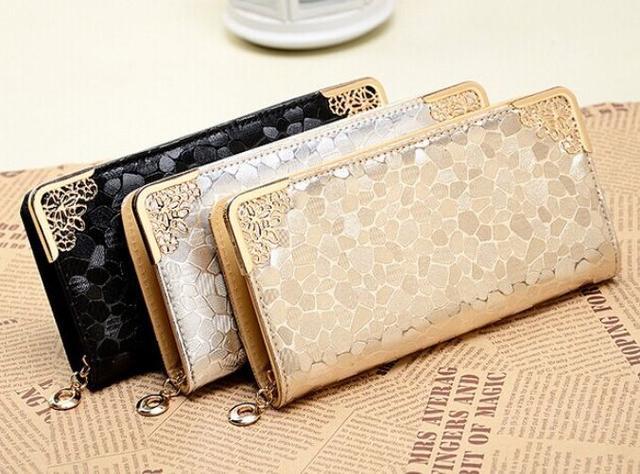 Quà tặng 20/10 là những chiếc ví cầm tay cho bạn gái