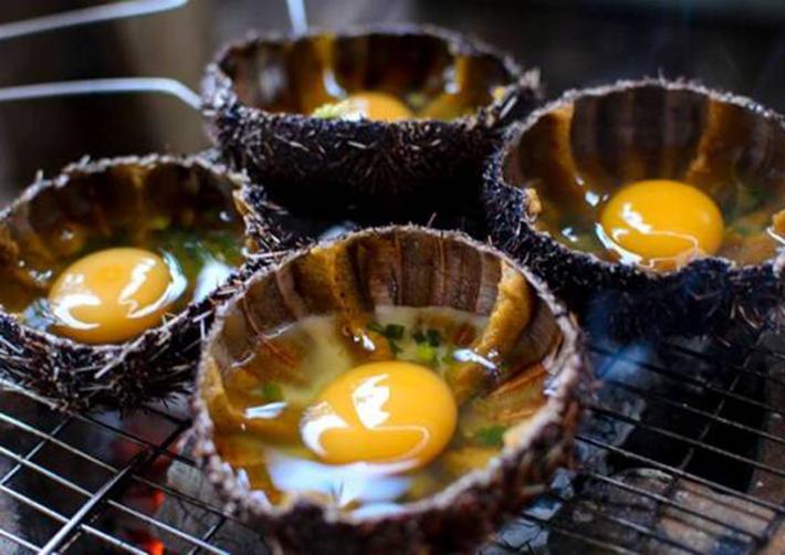 Nhum chưng trứng (Ảnh: ST)