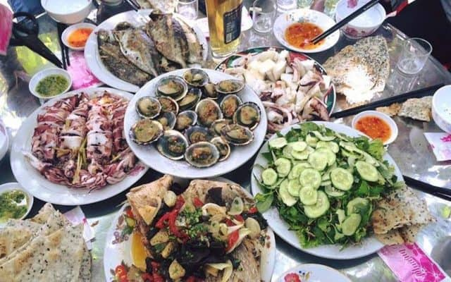 Đến Cù Lao Xanh thưởng thức hải sản tươi rói