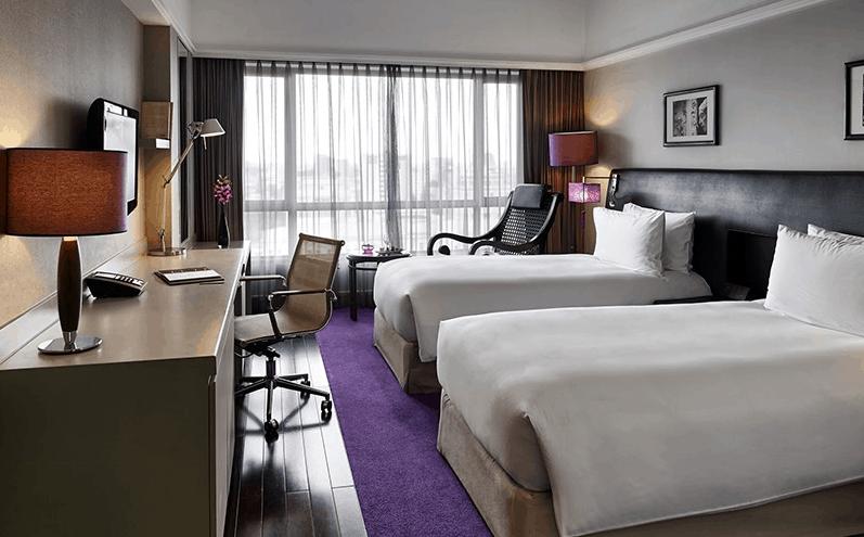 Phòng nghỉ cao cấp tại khách sạn Sofitel Saigon Plaza