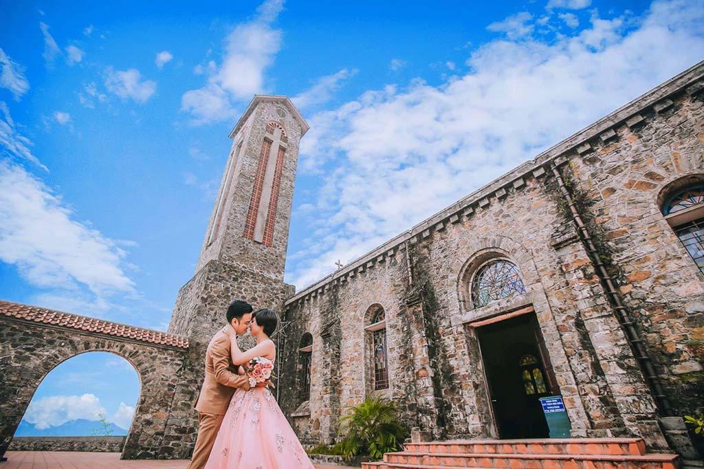 nhà thờ đá cổ - địa điểm chụp ảnh ở Tam Đảo