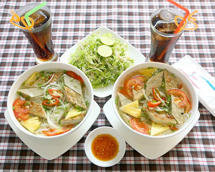 Bún chả cá – đặc sản Nha Trang (Ảnh: ST)