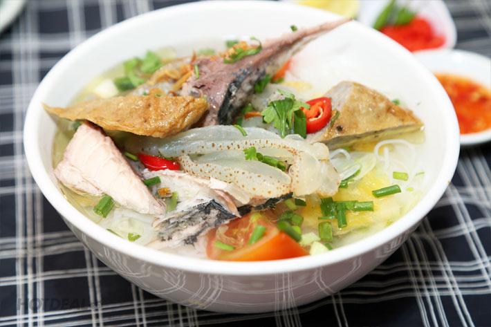 Bún sứa nằm trong danh sách những món ăn ngon mà bạn không nên bỏ qua khi du lịch Nha Trang (Ảnh: ST)