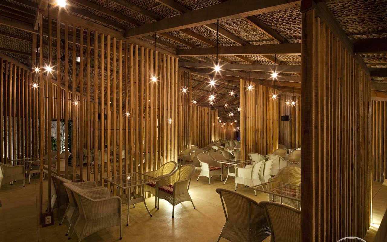Ánh sáng lung linh của Lam cafe vào buổi tối (nguồn sưu tầm)