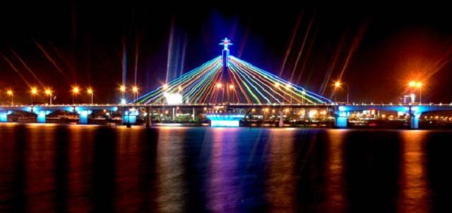 Cầu quay Sông Hàn Đà Nẵng (Ảnh ST)