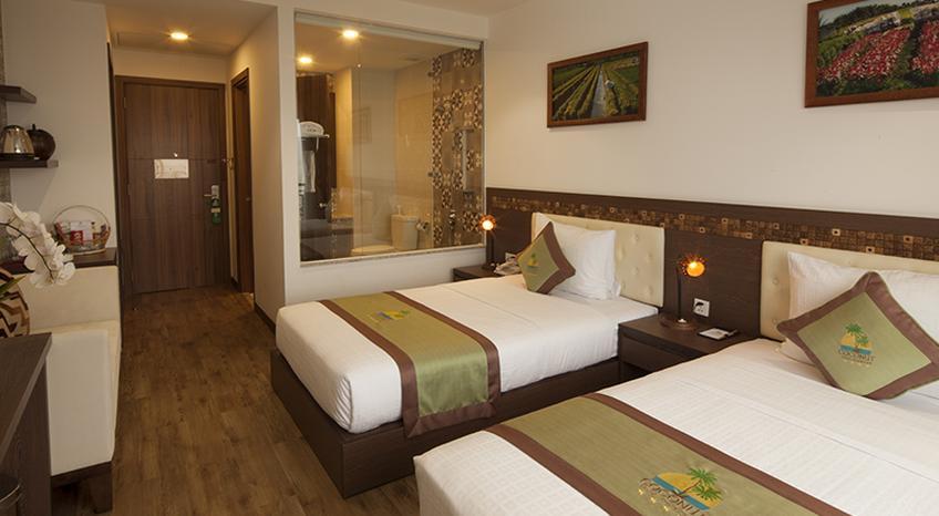 Phòng ngủ rộng rãi, nhã nhặn và hiện đại (Ảnh: ST)