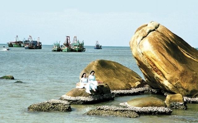 5 bãi biển ngay gần Hà Nội để 99er đi xả hơi nhanh gọn sau kỳ thi - Ảnh 55.