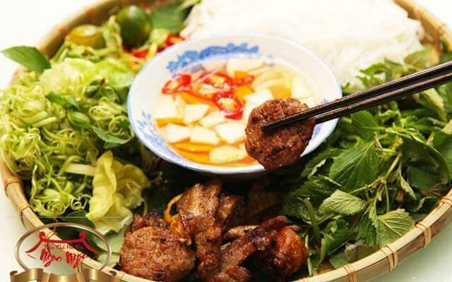 bún chả, món ngon không thể bỏ qua khi du lịch ở Hà Nội