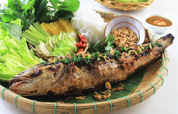 Đậm đà cá lóc nướng trui (nguồn sưu tầm)