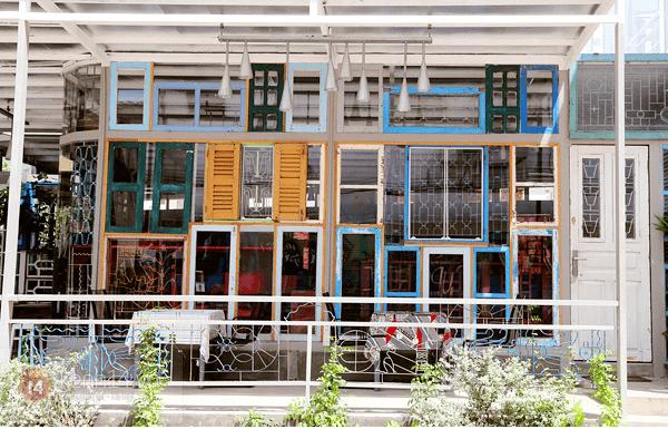 Không gian xinh xắn của quán cà phê