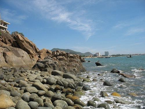 Bãi đá trứng khủng long biển Hoàng Hậu Quy Nhơn