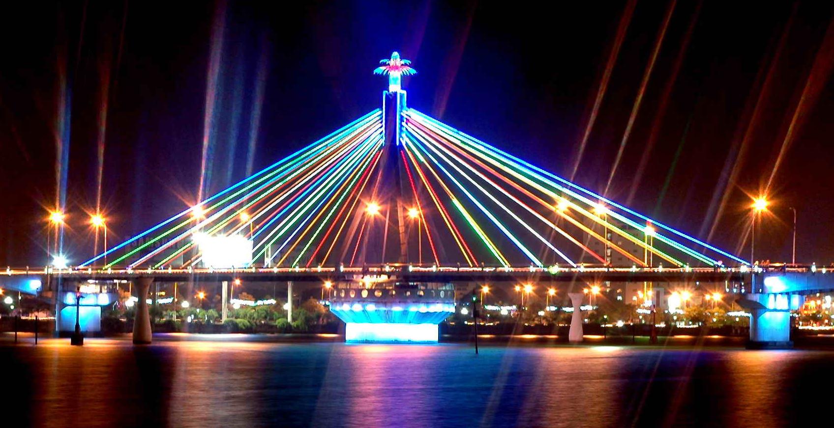 Hình ảnh cầu quay sông Hàn về đêm