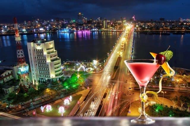 Ngắm cầu Rồng trên tầng 19 Top View Bar
