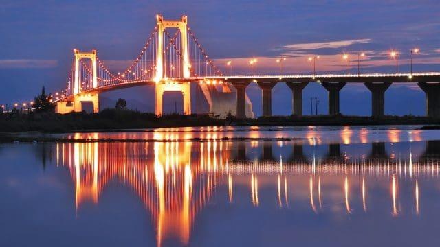 Cầu Thuận Phước khi về đêm