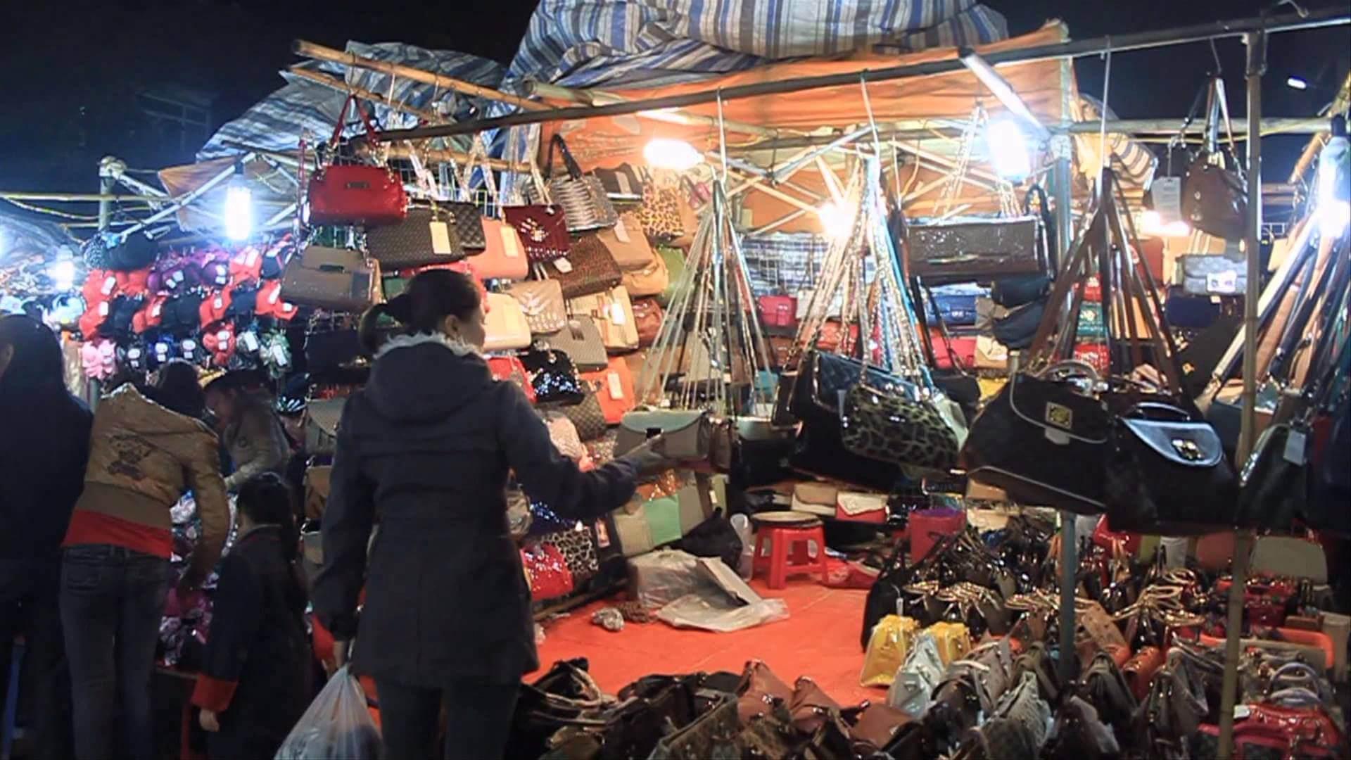 chợ đêm Đồng Xuân