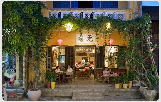 Hải Cafe với những tán cây mát rượi (Nguồn: ST)