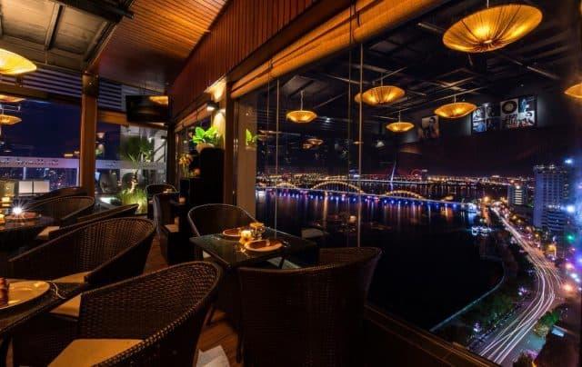 View ra cầu sông Hàn
