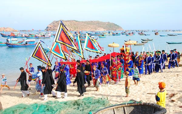 Lễ hội cầu ngư bên ghềnh đá Đĩa